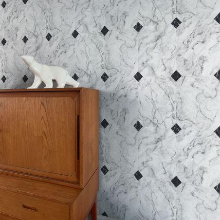 Papier peint marbre blanc grisé avec cabochons