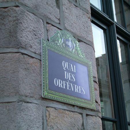 """Quai des Orfèvres"" French street sign prop"