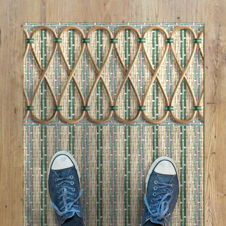 Romantic braided vinyl rug byPhilippe Model